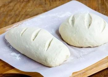 Periuk Berisi Adonan Roti