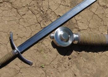 Orang Badui Hunuskan Pedang kepada Nabi
