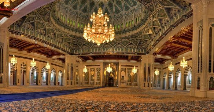 "Kemegahan Masjid Tiban di Malang ""Sihir"" Ribuan Wisatawan untuk Berkunjung 2"
