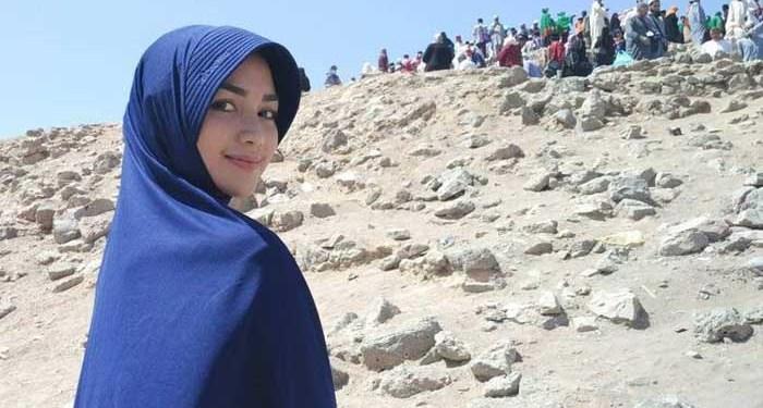 Citra Kirana mantap kenakan hijab. Foto: Detik
