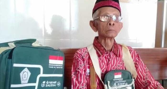 Kakek Ini calon jemaah haji tertua di Mojokerto. Foto: Detik