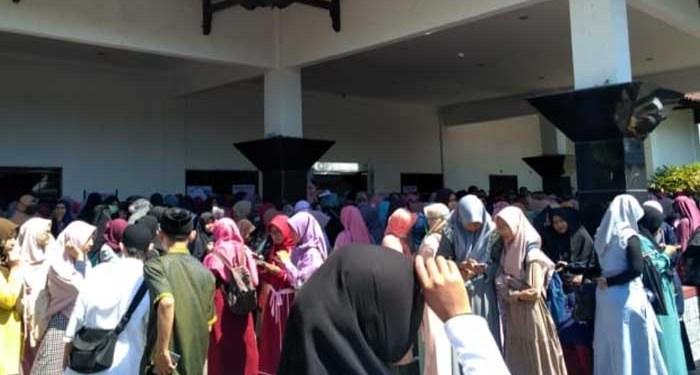 Kajian Ustaz Hanan Attaki di Tegal. Foto: Kumparan