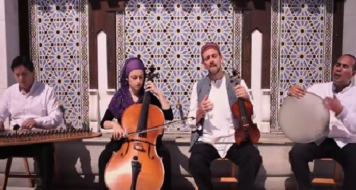 """Grup musik ensembel sufi """"Al Firdaus"""". Foto: You Tube"""