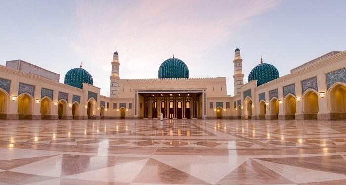 Masjid Agung Sultan Qaboos. Foto: YouTube