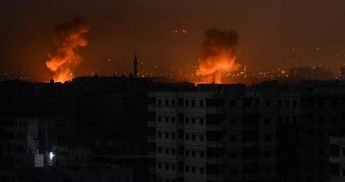 Roket Israel menghantam wilayah Damaskus, Suriah. Foto: PIC