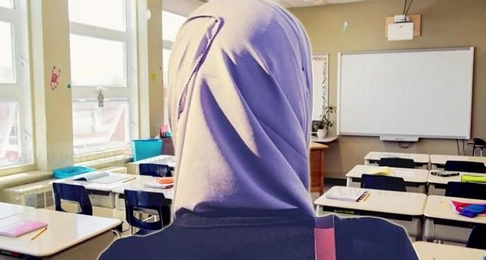 Ilustrasi guru BK di ruang kelas
