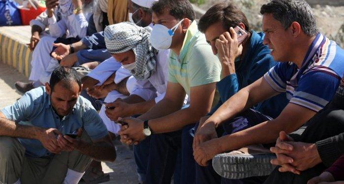 Puluhan warga Iran tewas usai minum miras yang dipercaya bisa lawan virus corona. Foto: Indozone
