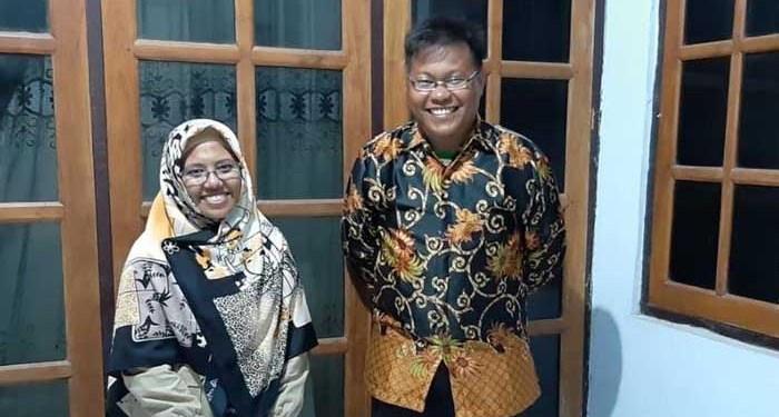 Pasangan Maulana Ishak dan Sri Wahyuningsih. Foto file - Anadolu Agency