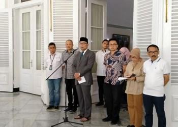 Gubernur Jawa Barat Ridwan Kamil umumkan korban virus Corona di Jawa Barat. Foto: Saifal/Islampos