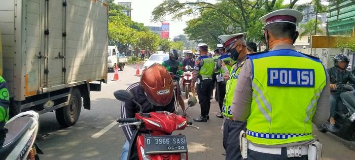 Bandung Raya menerapkan Pembatasan Sosial Berskala Besar (PSBB) mulai Rabu (22/4/2020). Foto: Saifal/Islampos