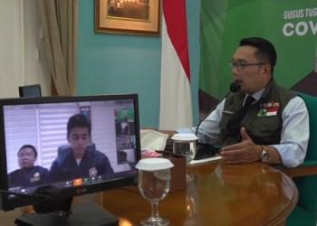 Gubernur Jabar Ridwan Kamil meminta Karang Taruna untuk ikut andil dalam membantu pemerintah memerangi wabah Covid-19. Foto: Saifal/Islampos