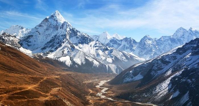 Puncak Himalaya terus mencair akibat pemanasan iklim. Foto: Detik