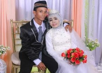 Mbah Gambreng dan suami. Foto: Regional Kompas