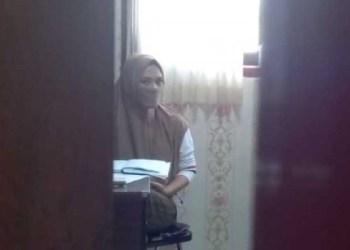 Karyawati bank di Kota Tegal gelapkan uang nasabah hingga miliaran, Selasa (9/6/2020). Foto: Imam Suripto/detikcom