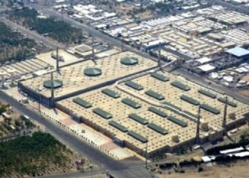 Jalanan di sekitar Masjid Namirah tempat khotbah Arafah tampak sepi pada haji 2020. Foto: Twitter