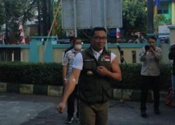 Ridwan Kamil usai disuntik vaksin Covid-19. Foto: Pikiran Rakyat