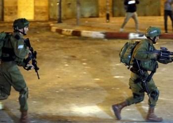 Tentara Israel menggerebek wilayah Palestina. Foto: Duniaekspress