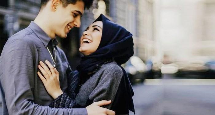 Suami Istri Ngobrol Cara Redakan Istri saat Marah