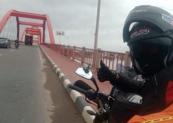 Bambang Sukmana naik haji dengan mengendarai motor. Foto: Saifal/Islampos