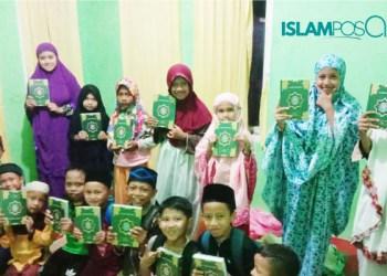 IslamposAid Salurkan Wakaf Al-Qur'an ke Pengajian di Ciwareng, Purwakarta 1