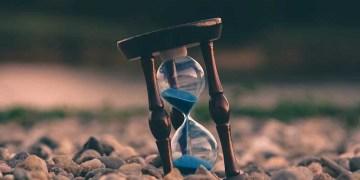 Bagaimana Cara Menentukan Waktu Shalat. Foto: Unsplash
