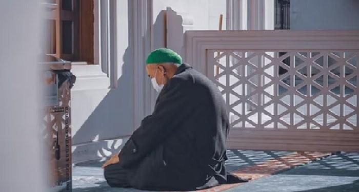 mengantuk saat shalat, raja' dan khauf, cara mengetahui kekurangan diri muslim muhasabah shalat ibadah masjid