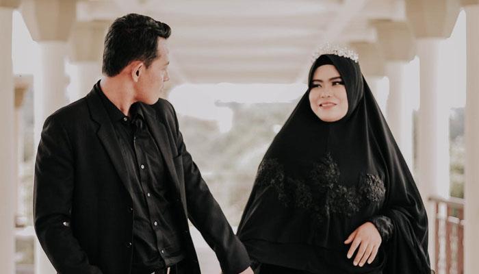 menikah tapi belum kaya