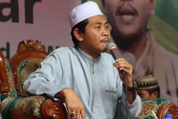 KH Anwar Zahid-Al-Quran Mengajarkan Dakwah Yang Ramah-IslamRamah.co