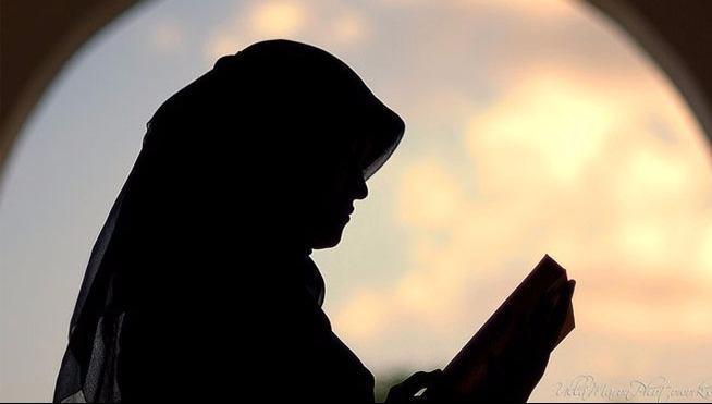 Hikmah-Nabi Muhammad Memuliakan Perempuan-IslamRamah.co