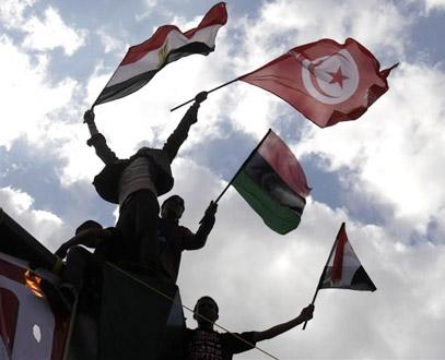 الغارديان: الربيع العربي يمكن أن يتكرر مرة أخرى