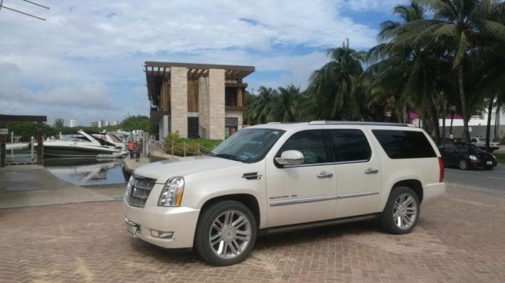 SUV airport transportation to Marina