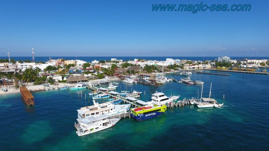 port downtouwn Isla Mujeres