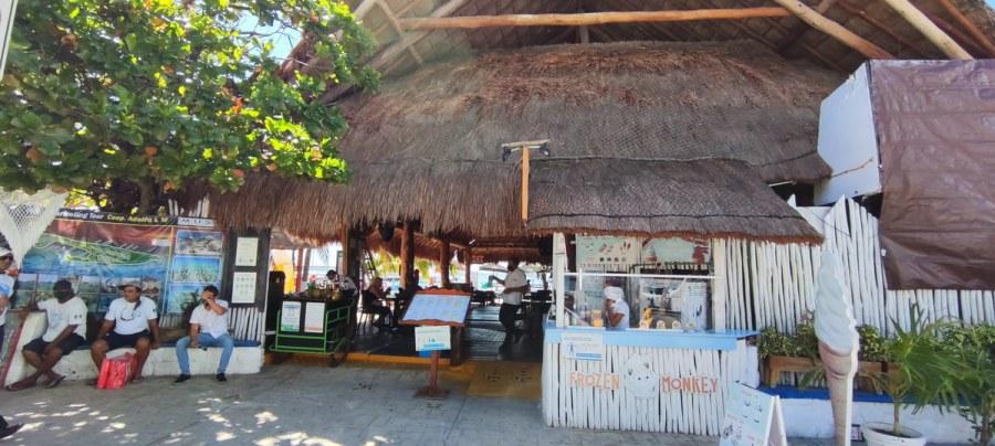 Restaurante Mocambo Isla Mujeres entrance