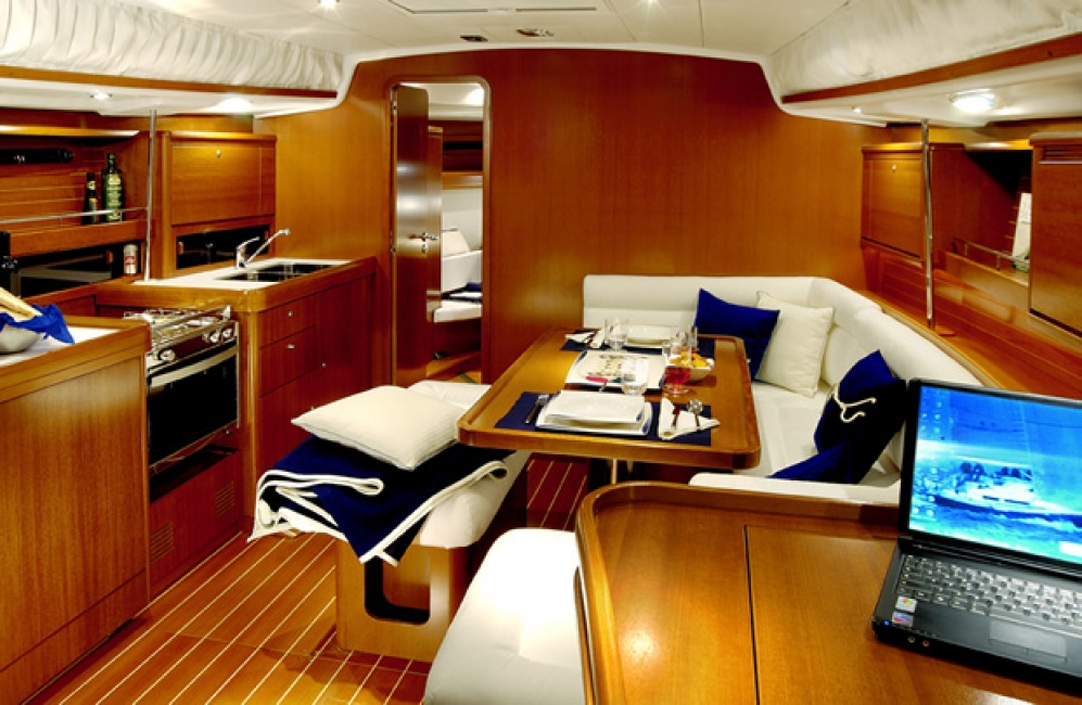 Grand Soleil 40 Yacht Charter Solent Island Charters