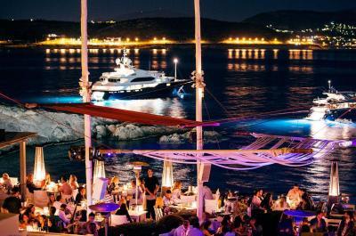 Island Club & Restaurant