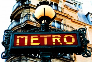 1024px-Paris_Old_Metro_Signboard[1]