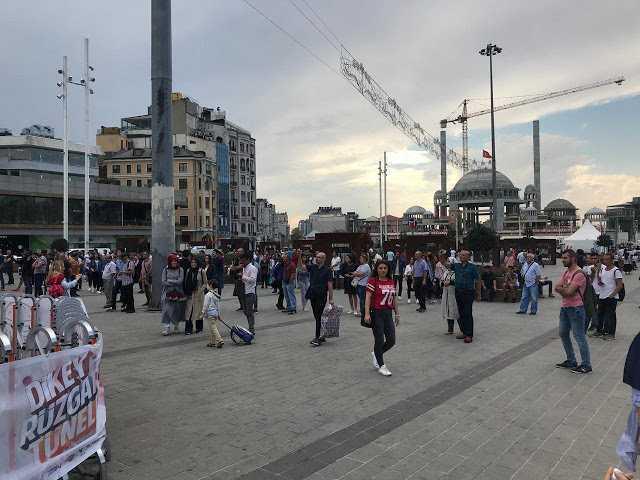 TEKNOFEST, Taksim'den Ayakları Yerden Kesmeye Başladı