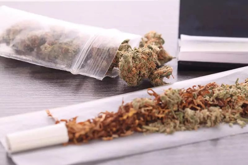 , Scientists in the UK are finally warning of the dangers of mixing cannabis with tobacco, ISMOKE