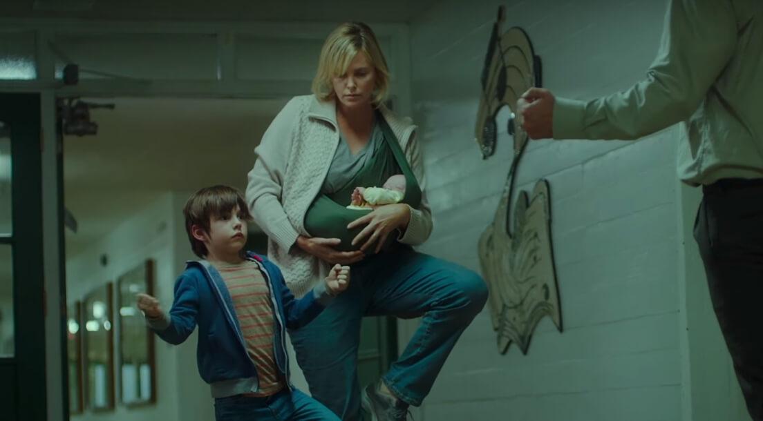 """""""Tully"""": Charlize Theron nos muestra que a veces ser madre es una mierda en el trailer de su nuevo filme"""