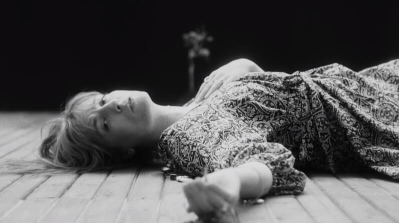 """Paren todo, que Florence + The Machine tienen nuevo single y video: """"Sky Full of Song"""""""