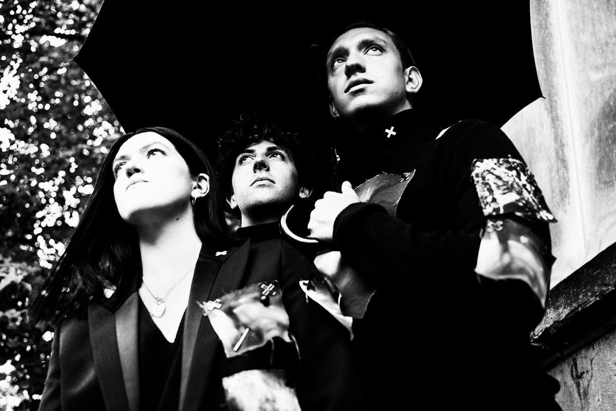 The xx se unen a Raf Simons para una cápsula fashion que celebra el 10° aniversario de su disco debut