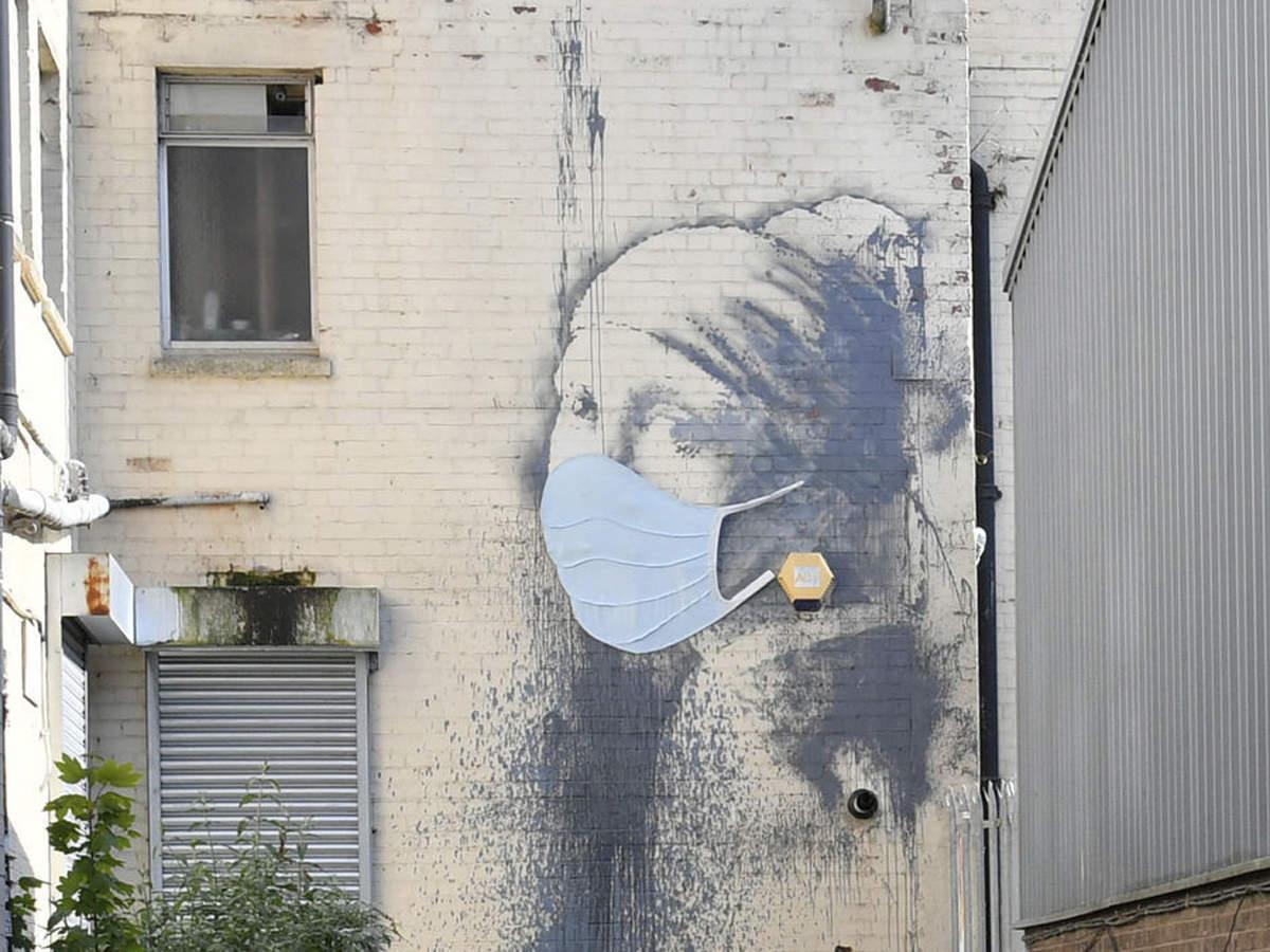 Este famoso mural de Banksy ahora tiene un makeover para el coronavirus