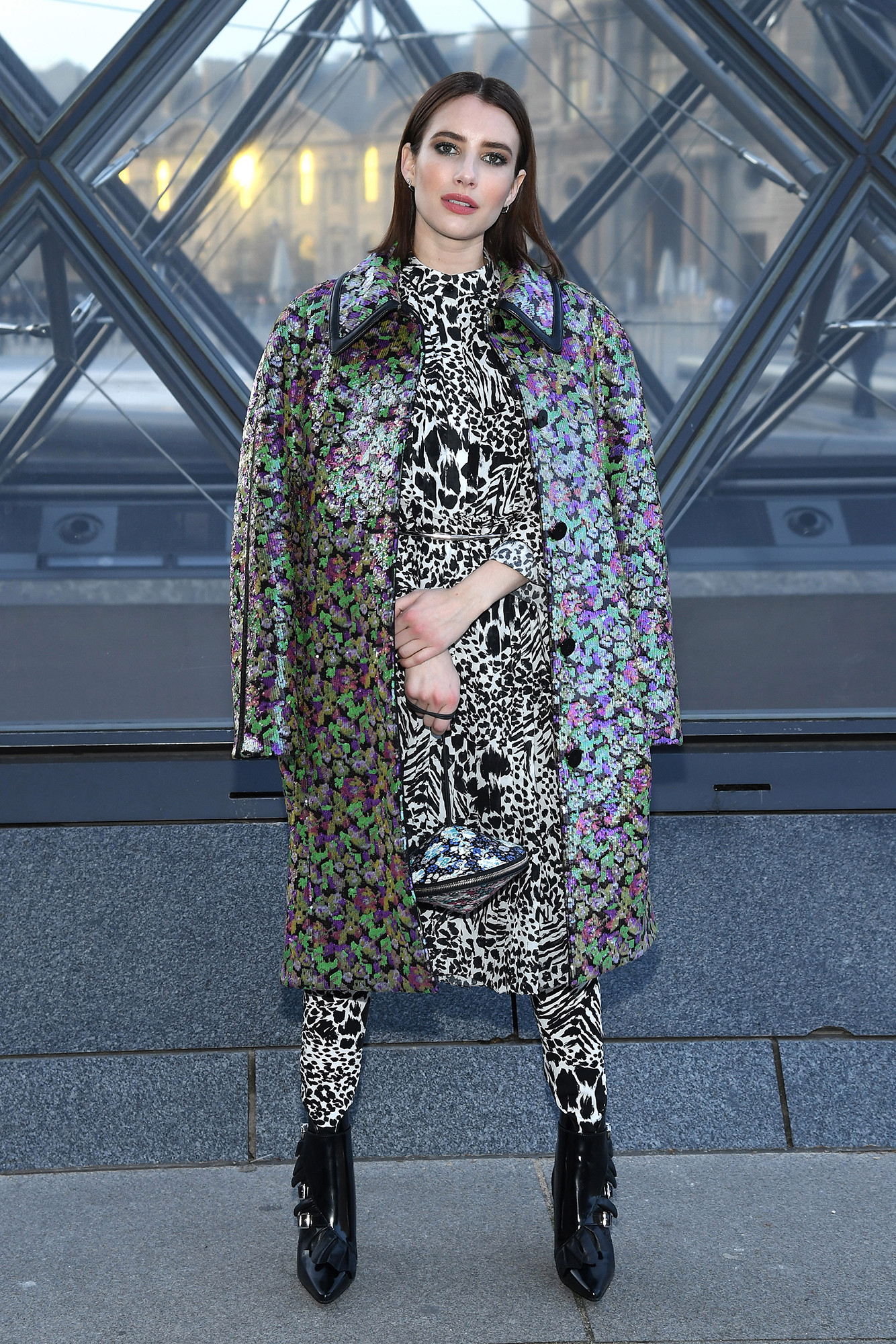 10 looks de Emma Roberts que la convierten en una queen del casual fashion