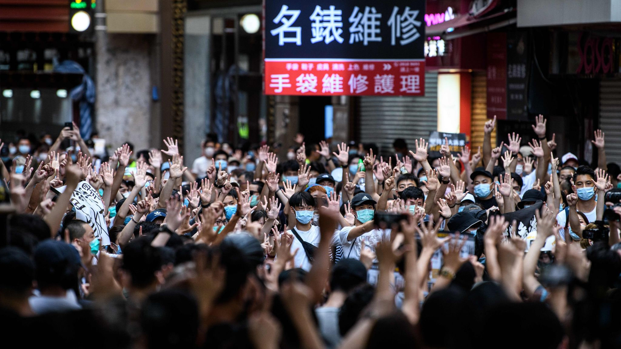 China amenaza a Reino Unido tras promesa de ciudadanía británica a hongkoneses