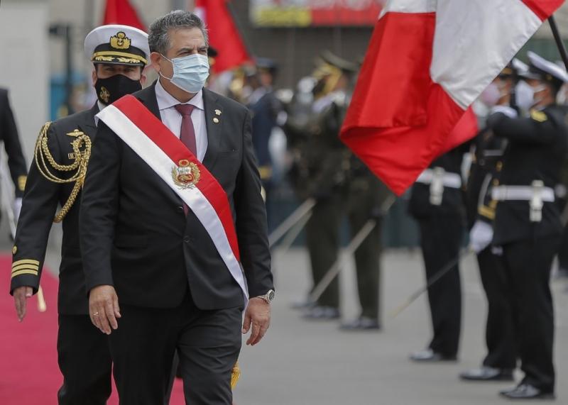 Las protestas sociales en Perú provocan la renuncia del presidente Manuel Merino