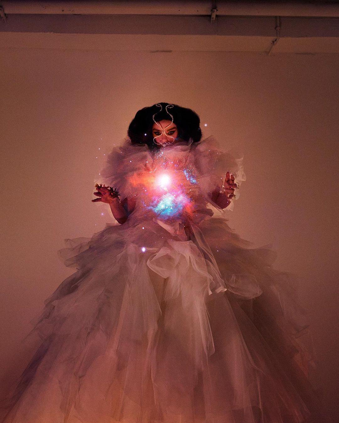 10 lanzamientos recientes que debes escuchar: Björk + System Of A Down + C. Tangana y más