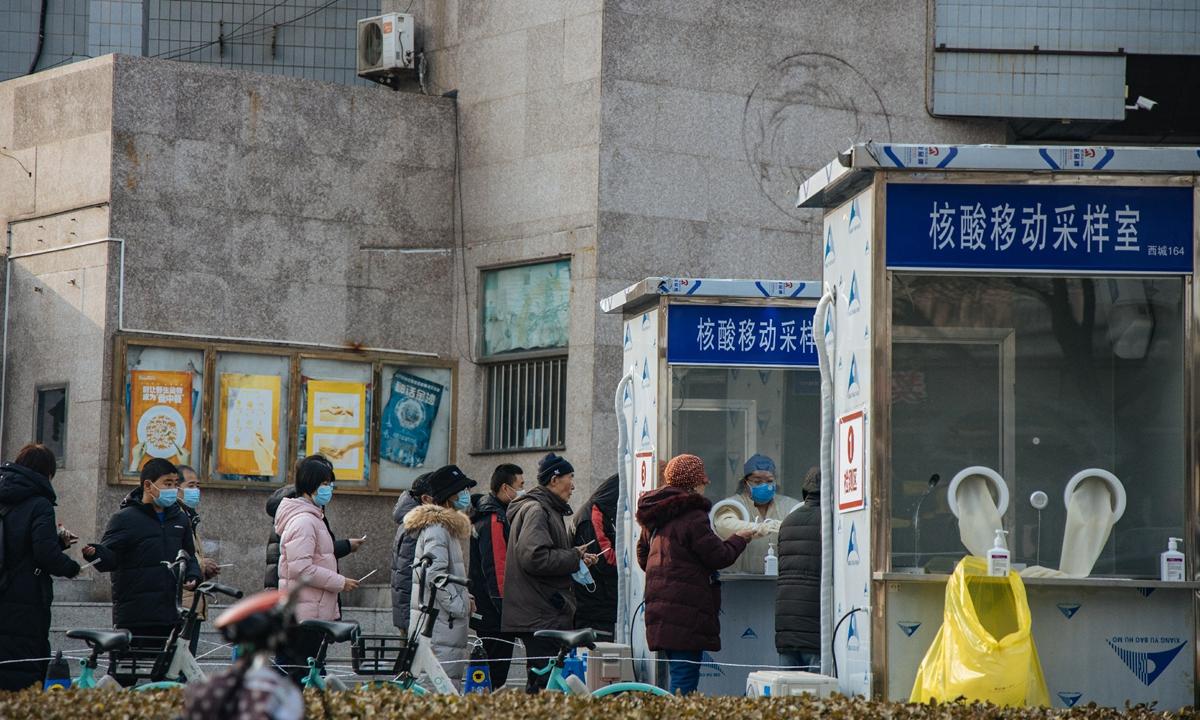 Coronavirus: China introduce pruebas para el COVID con hisopados anales por su mayor efectividad; Chile aprueba vacuna de Oxford y AstraZeneca