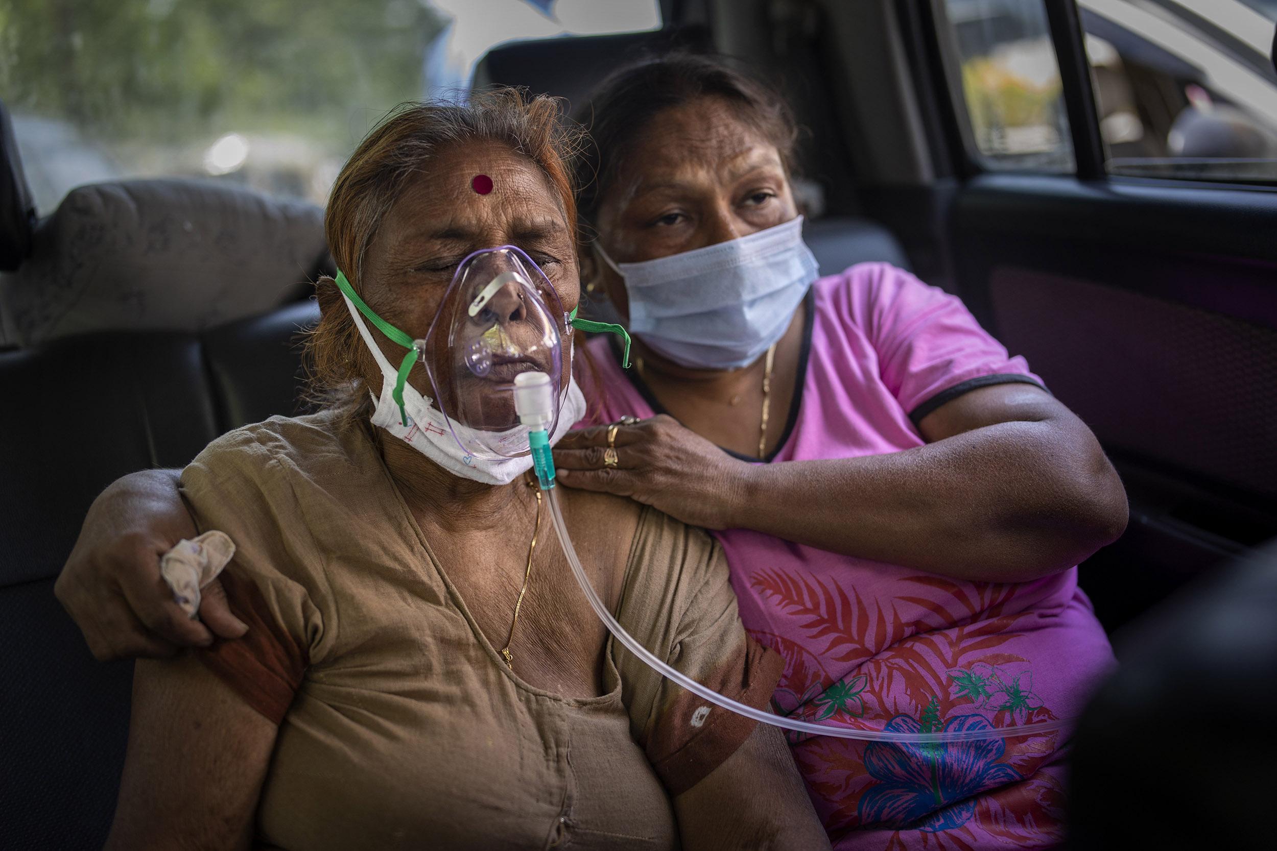 Coronavirus: La doble mascarilla es ahora obligatoria en Perú; India en crisis tras cinco días de récords de muertes y contagios