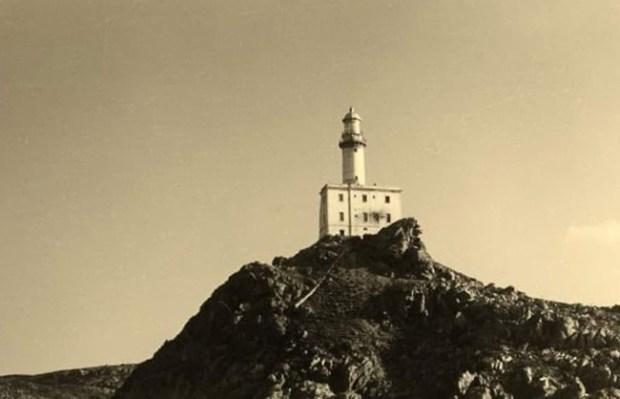 immagine antica del Faro di Punta Scorno