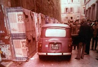 La Renault in Via Caetani